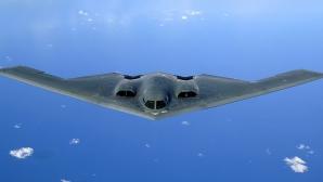 """Trei bombardiere """"invizibile"""" B-2, în Insula Guam"""