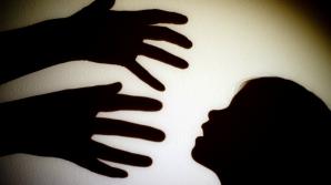 Ce trebuie să facă copiii când sunt abordaţi de necunoscuţi. Sfaturile unui expert criminolog