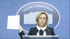 Ministrul Carmen Dan a rămas în funcţie, premierul a plecat