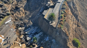 Alunecările de teren din California au produs moartea a cel puţin 17 persoane