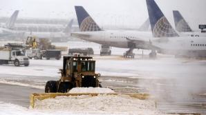 Haos pe aeroportul JFK din New York din cauza furtunii care a lovit oraşul