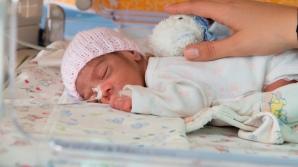 În România, un copil mai mic de 1 an moare la fiecare 6 ore. Cu un sistem medical pregătit să îi salveze, acești copii ar putea supraviețui