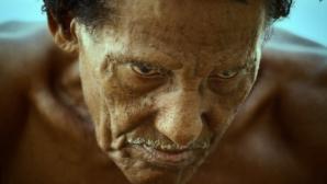 Povestea cutremurătoare a bătrânului de 80 de ani care a trăit o viaţă SUB APĂ. Te trec fiorii!