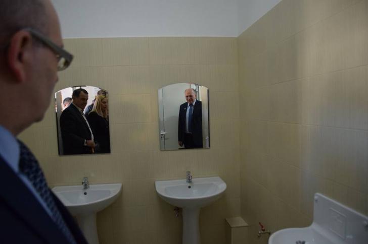 Primarul din Piatra Neamț inaugurează toalete