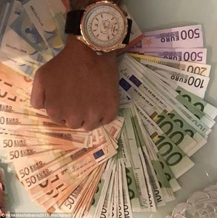 unde fac bani bogații