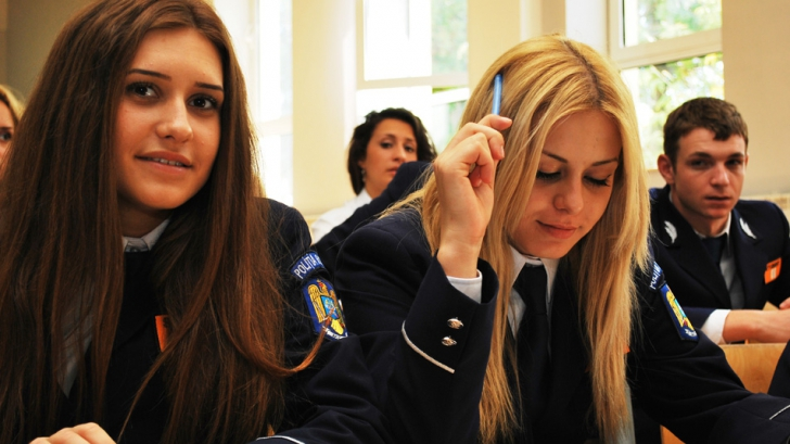 Admitere la școlile de poliție