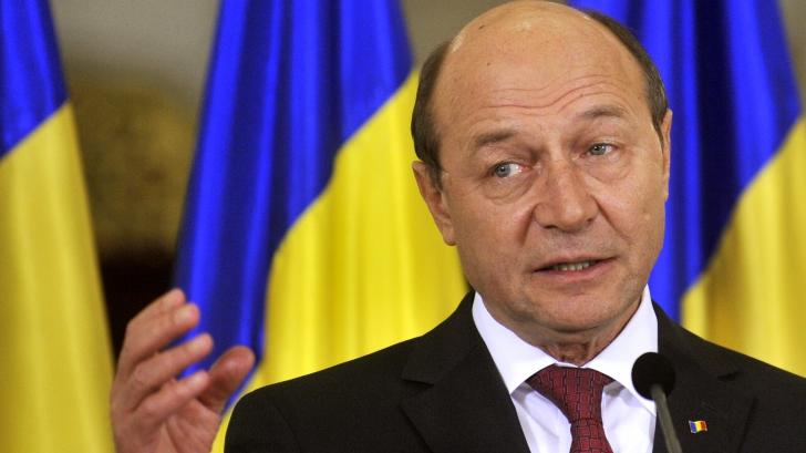 Traian Băsescu: Dragnea ţine să ne pricopescă cu un analfabet la Educaţie