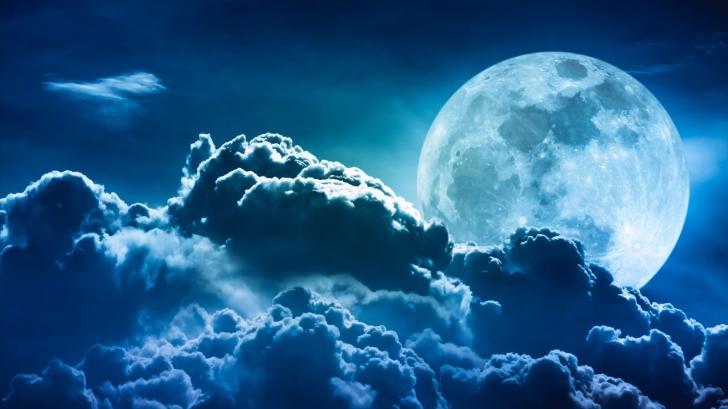 Eclipsă de lună 2018