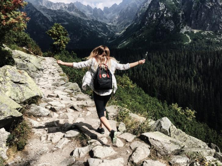 6 beneficii surprinzătoare ale călătoritului (P)