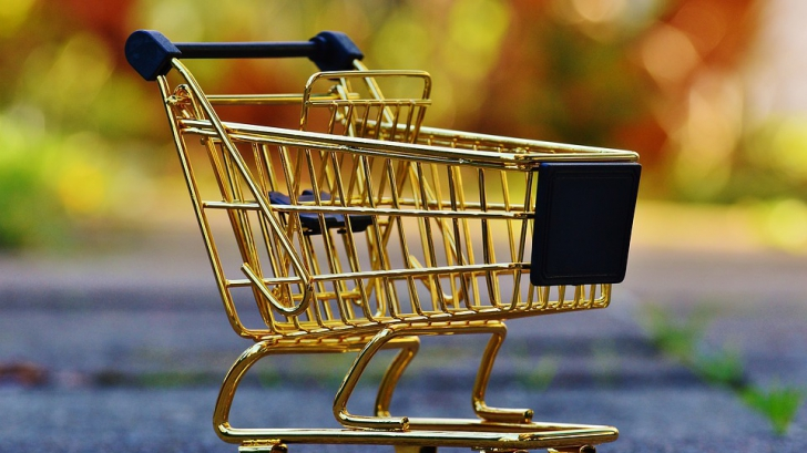 Cum să cheltui mai puțini bani la cumpărături. Află cele cinci trucuri!