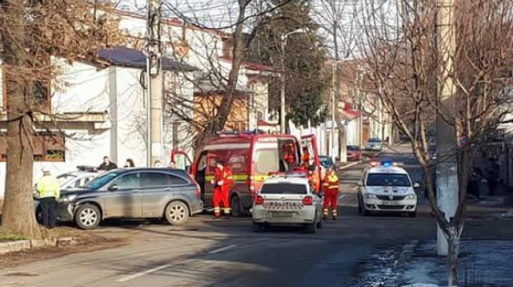 Doi polițiști din Galați au fost răniți în urma unui accident rutier