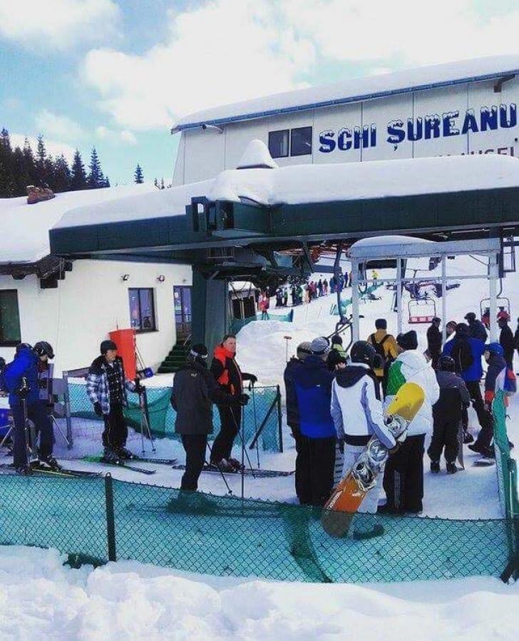 Klaus Iohannis, vazut la schi, în Munţii Şureanu. A stat la rând la telescaun