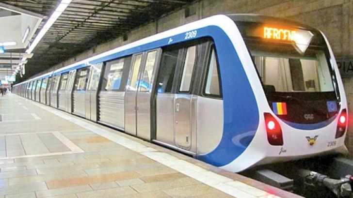 Alertă la metrou! Un călător s-a aruncat în fața trenului