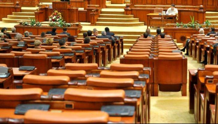 Iohannis, ignorat de Parlament. Aleșii scapă de conflictul de interese