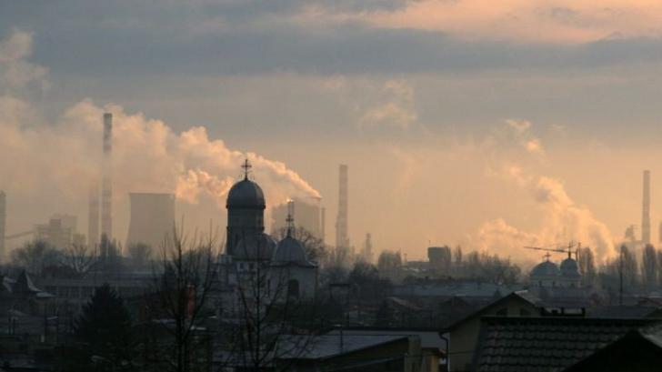 SITUAŢIE CRITICĂ la Ploieşti: cod roşu de poluare cu particule în suspensie