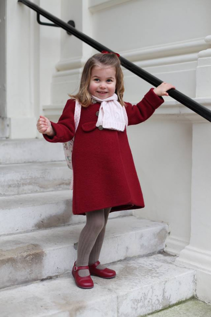 Primele imagini cu Prinţesa Charlotte la grădiniţă. Ce detaliu a fost observat de toată lumea