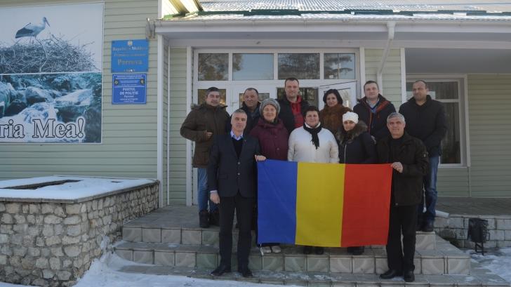 Semnatarii Declaraţiei îşi exprimă bucuria de a sărbători împreună cu românii de pretutindeni Centenarul Marii Uniri