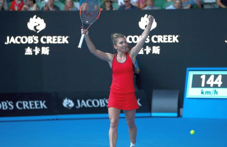 Simona Halep - Caroline Wozniacki, finala Australian Open. Câștigă Halep finala? Votează și tu!