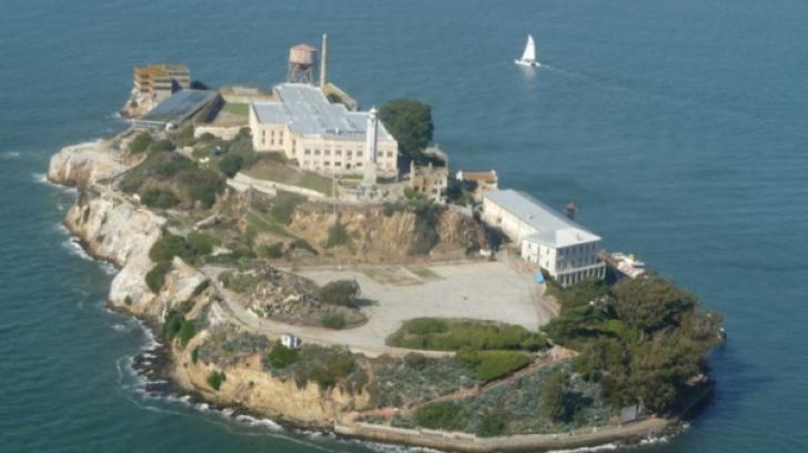 """Scrisoarea incredibilă trimisă de un deținut care a evadat din Alcatraz: """"A fost foarte greu..."""""""