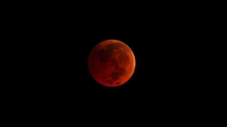 Eclipsa SUPER LUNII ALBASTRE, transmisă ÎN DIRECT (VIDEO)