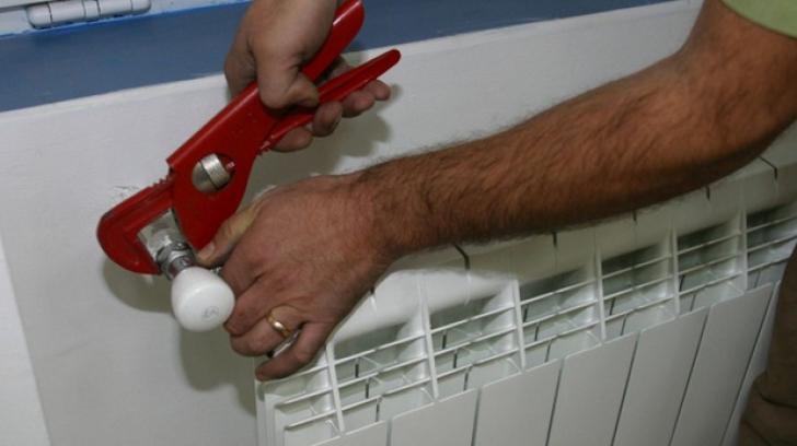 Trucul care îți scade semnificativ factura la încălzire iarna aceasta. Dar mulți oameni nu îl aplică