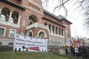 "Protest la MŢR, la proiecţia ""Soldaţii. Poveste din Ferentari"". FOTO: INQUAM / Octav Ganea"