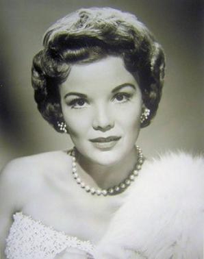 O mare actriţă a murit
