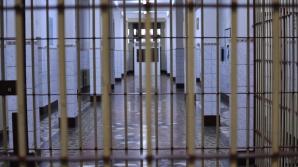Angajaţii din penitenciare se revoltă după revoluţia fiscală