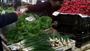 Greşeala pe care multă lume o face când cumpără salată, ceapă verde sau ridichi