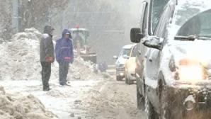 Cod portocaliu de ninsori abundente: Nămeţi de jumătate de metru. Ger până pe 1 martie
