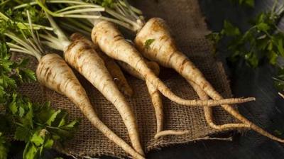 Cum trebuie preparat şi consumat sucul de pătrunjel pentru a te însănătoşi