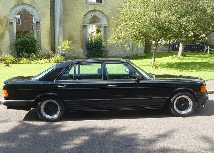 Cum arată Mercedesul AMG al lui George Harrison, de la Beatles, care va fi vândut la licitaţie