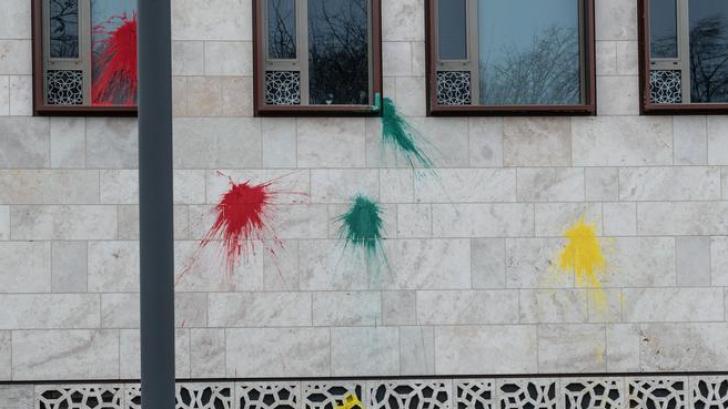 Ambasada Turciei la Berlin a fost atacată cu o bombă cu fumigene