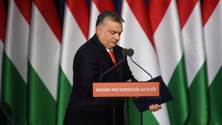 Surprinzătoarea înfrângere a lui Viktor Orban zguduie Ungaria. Ce urmează?