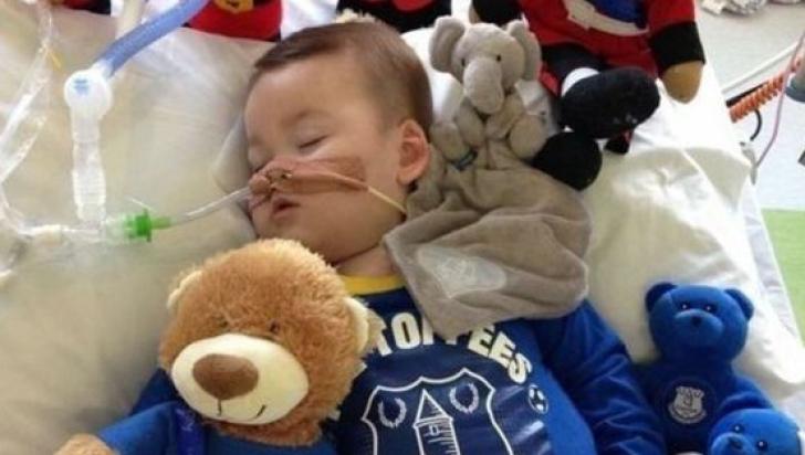 """Verdict şocant: medicii pot întrerupe tratamentul care """"ţine în viaţă"""" un copil de nici doi ani"""