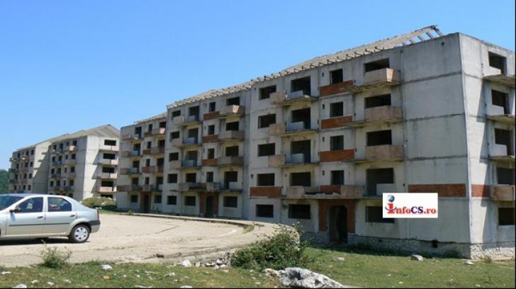 """Oraşul din România unde apartamentele se dau """"la liber"""""""