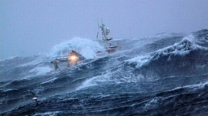 Navă în pericol de scufundare în Marea Neagră