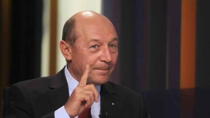 """Traian Băsescu, în plen: """"Vă spun la toţi. L-am bătut pe bune pe Geoană, de l-am rupt"""""""