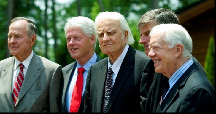 A murit cel mai influent om al secolului XX. A sfătuit 10 președinți