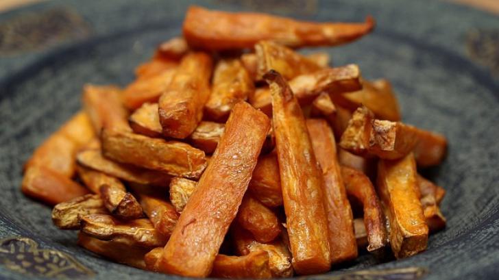 Reţetă delicioasă: Cartofi dulci la cuptor