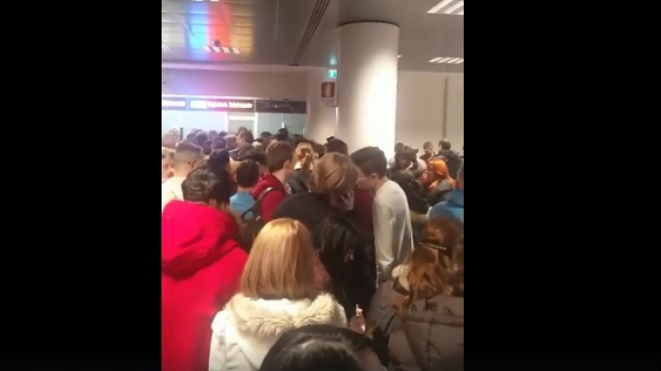 Români blocaţi mai multe ore pe aeroport, în Roma. Curse anulate din pricina vremii severe