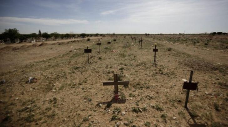 S-au dus să aprindă lumânări la cimitir, dar mai să cadă din picioare! Sicriele erau desfăcute şi...