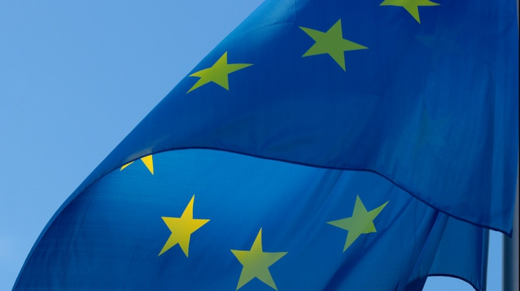 Atacurile la Justiţie, în atenţia Europei: Presiuni pe Juncker să nu ridice MCV-ul pentru România