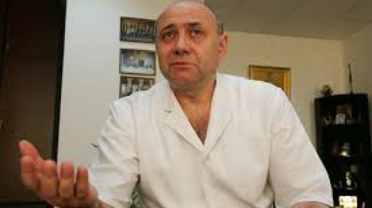 Medicul Irinel Popescu, cercetat sub control judiciar pentru luare de mită