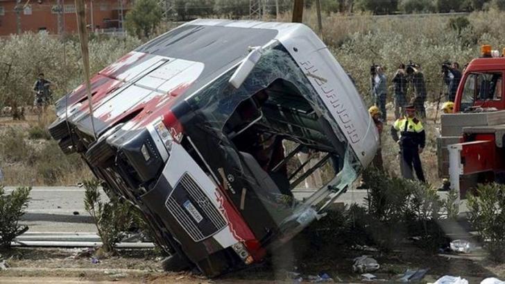 Tragedie. 27 de morți după ce un autocar s-a prăbușit în prăpastie