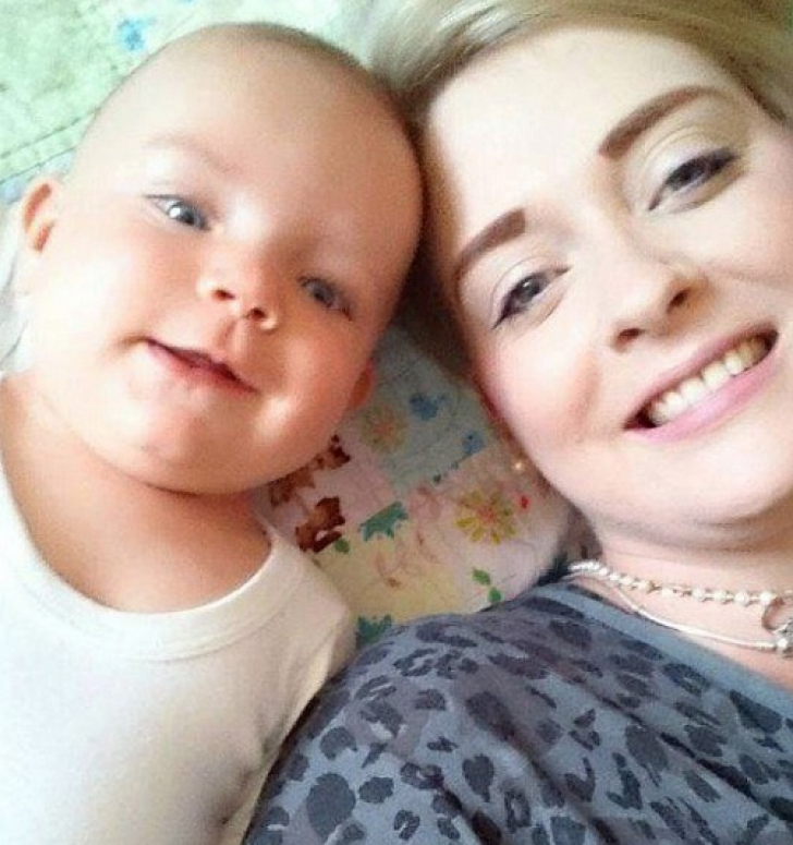 """După ce a pierdut 16 sarcini, a născut o """"bijuterie"""" de fetiţă! În 14 ore, copilul a murit! Motivul?"""