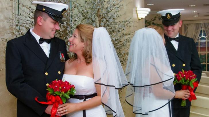 Nunți rapide în Las Vegas de Valentine's Day