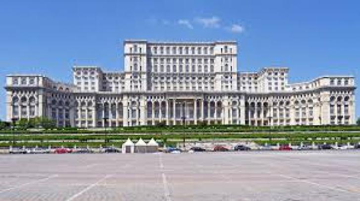 """Parlamentul, precizare în limbaj de lemn despre """"incendiul"""" mediatizat: """"A rezultat mirosul de fum"""""""