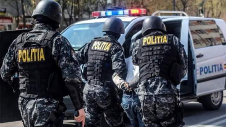 Percheziții în județul Alba la persoane bănuite de înșelăciune și punere în circulație de bancnote contrafăcute
