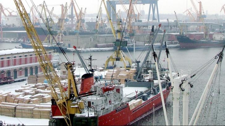 Un fost vas turcesc s-a scufundat în Portul Constanţa